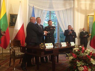Украйна, Литва и Полша подписаха споразумение за създаване на съвместна военна бригада LITPOLUKRBRIG