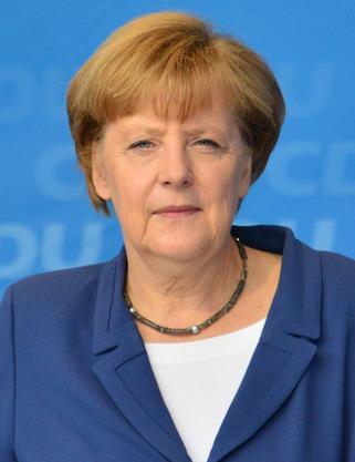 Меркел настоява Путин да изтегли изцяло войските от Украйна