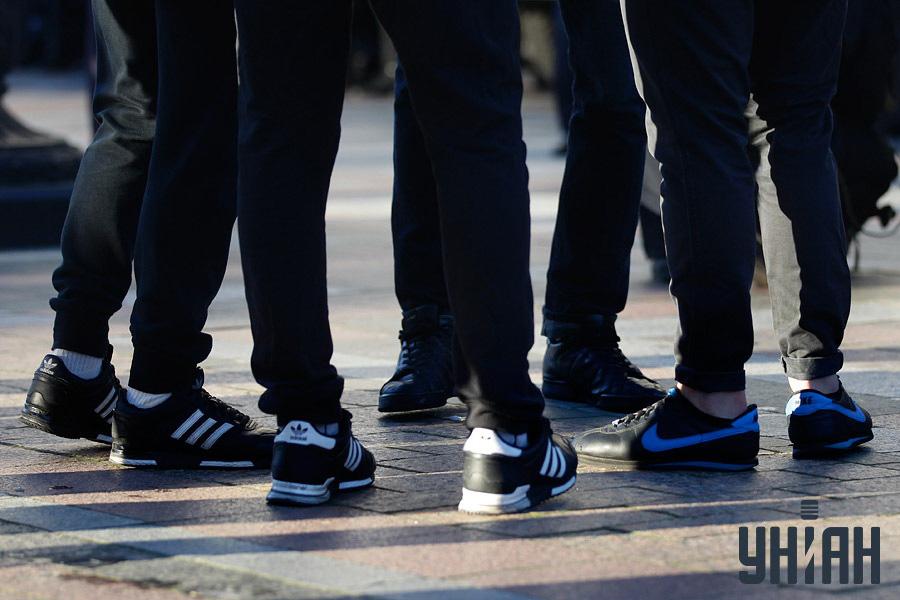 """""""Титушките"""" бяха разпознавани по спортните обувки."""