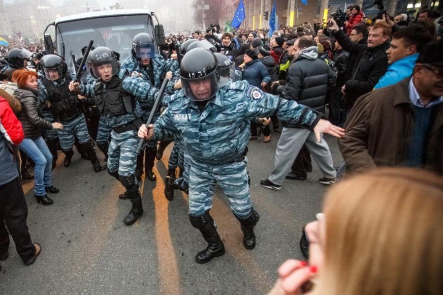 В продължение на няколко дни на Майдана и в правителствения квартал имаше сблъсъци с органите на реда.