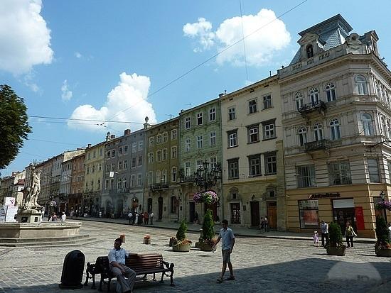 lviv-market-square-ploshcha-rynok-2-lviv