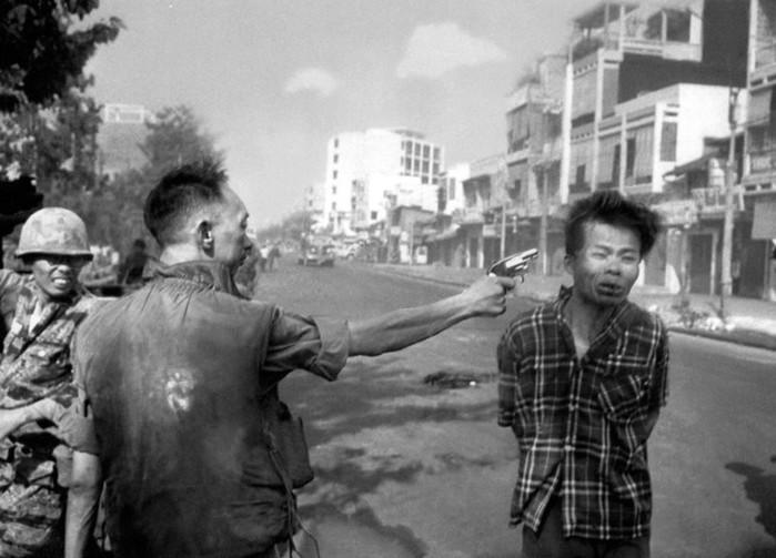 "Снимка: Уикипедия/ ""Разстрел в Сайгон"""