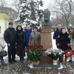 Бесарабски българи пред паметника на Ботев